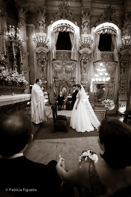 Foto de casamento 0912pb de Ana e Joao. Marcações: 29/10/2011, Casamento Ana e Joao, Igreja, Igreja Sao Francisco de Paula, Rio de Janeiro.