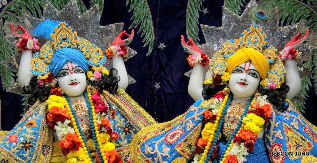 ISKCON Juhu Sringar Deity Darshan 22 Nov 2016 (44)
