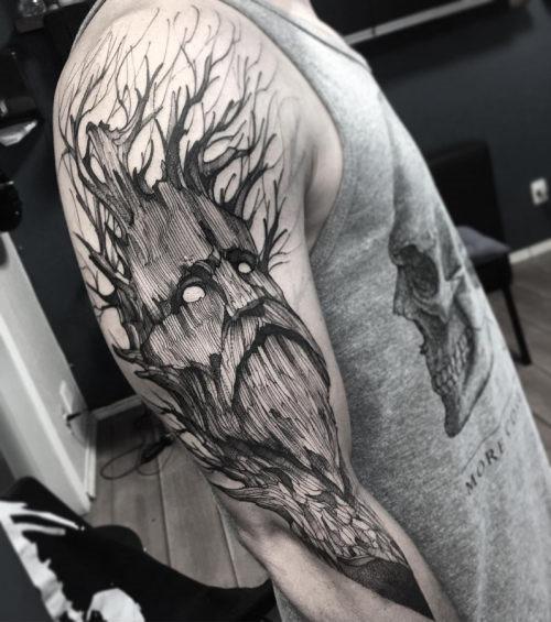 este_impressionante_rvore_homem_da_tatuagem