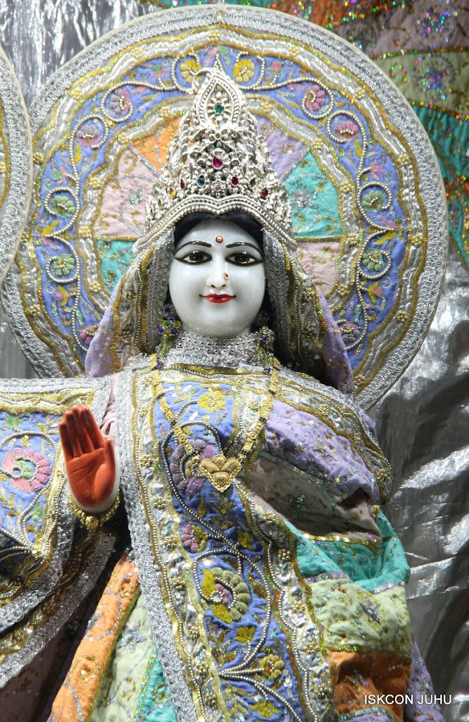 ISKCON Juhu Mangal Deity Darshan on 29th April 2016  (20)