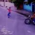VÍDEO: ASSALTANTES ARMADOS PERSEGUEM TRABALHADOR NO ALVORADA