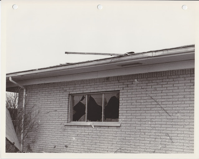 1976 Tornado photos collection - 25.tif