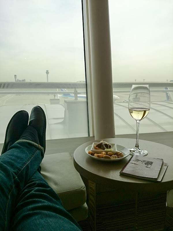 JL%252520F%252520HND LHR 50 - REVIEW - JAL First Class Lounge, Tokyo Haneda Airport