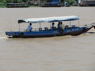 0014A_Day_on_the_Mekong