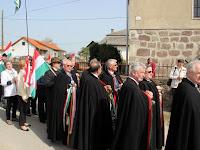 04 A templom előtt, ahol állítólag a fejedelmet keresztelték.JPG