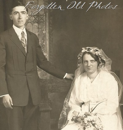 Unknown Couple Azo Postcard Triangles up   DL Ant 1904 to 1918