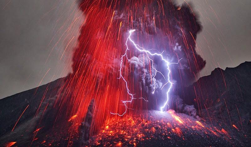 Sakurajima by Martin Rietze