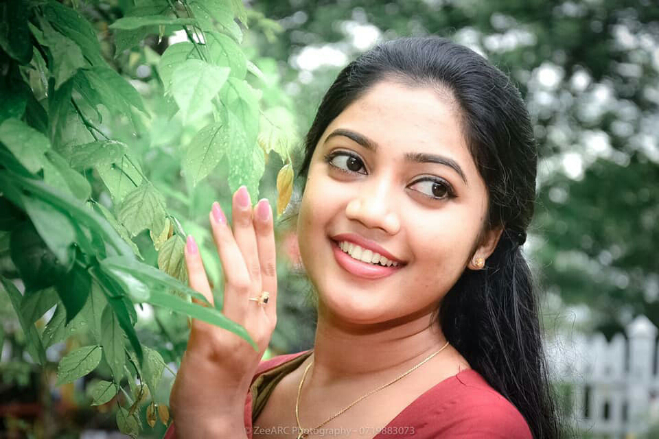 Com lankan girls www sri Charming Sri