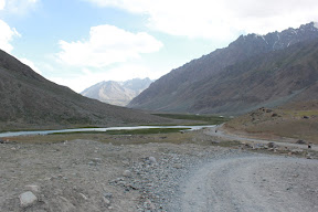 The road to Shandoor Pass near Lanagr.