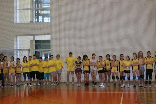 Zawody siatkarskie dziewczat 1 marca 2011 - DSC09283_1.JPG