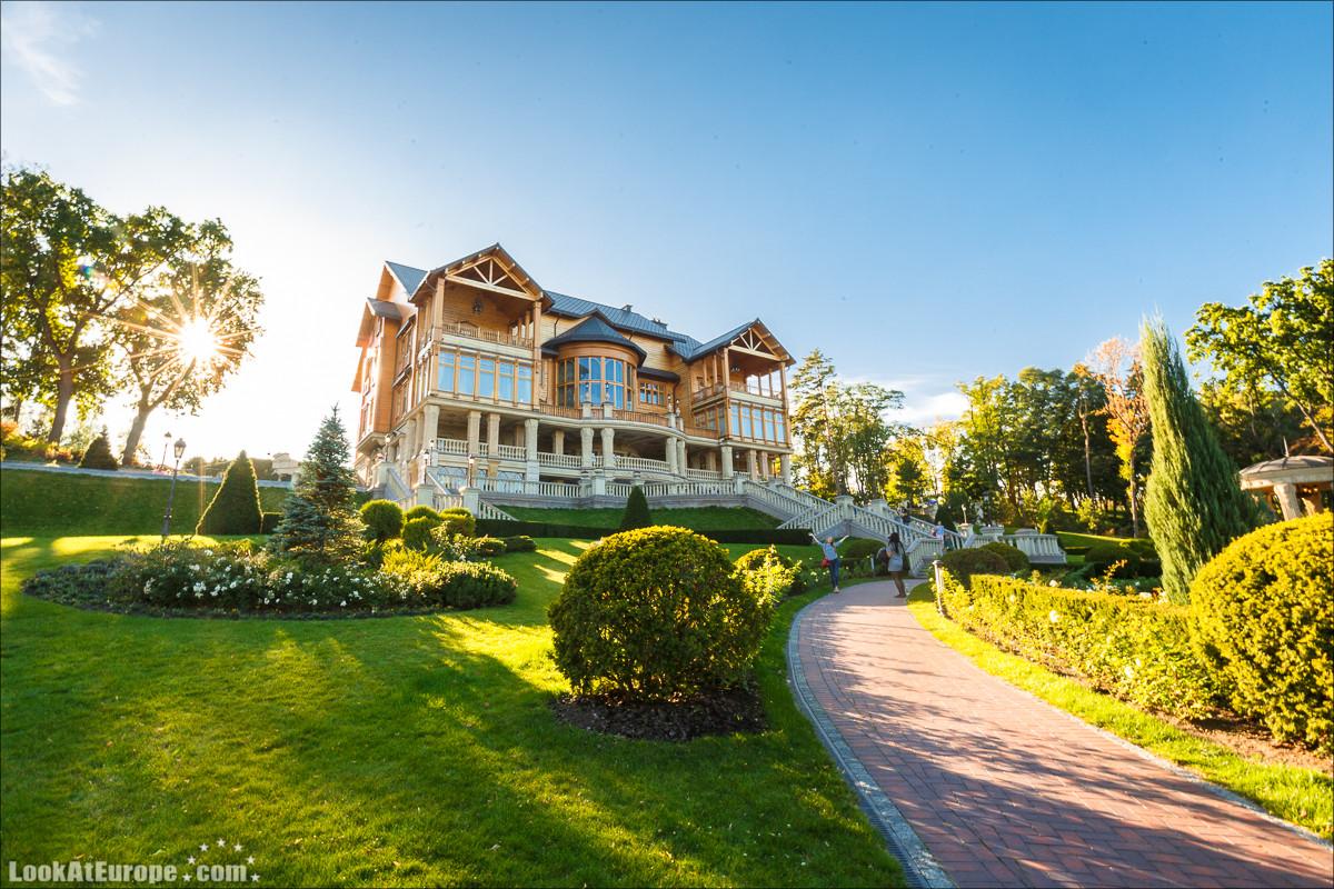 Музей коррупции Межигорье | Блог LookAtIsrael.com путешествует по Украине