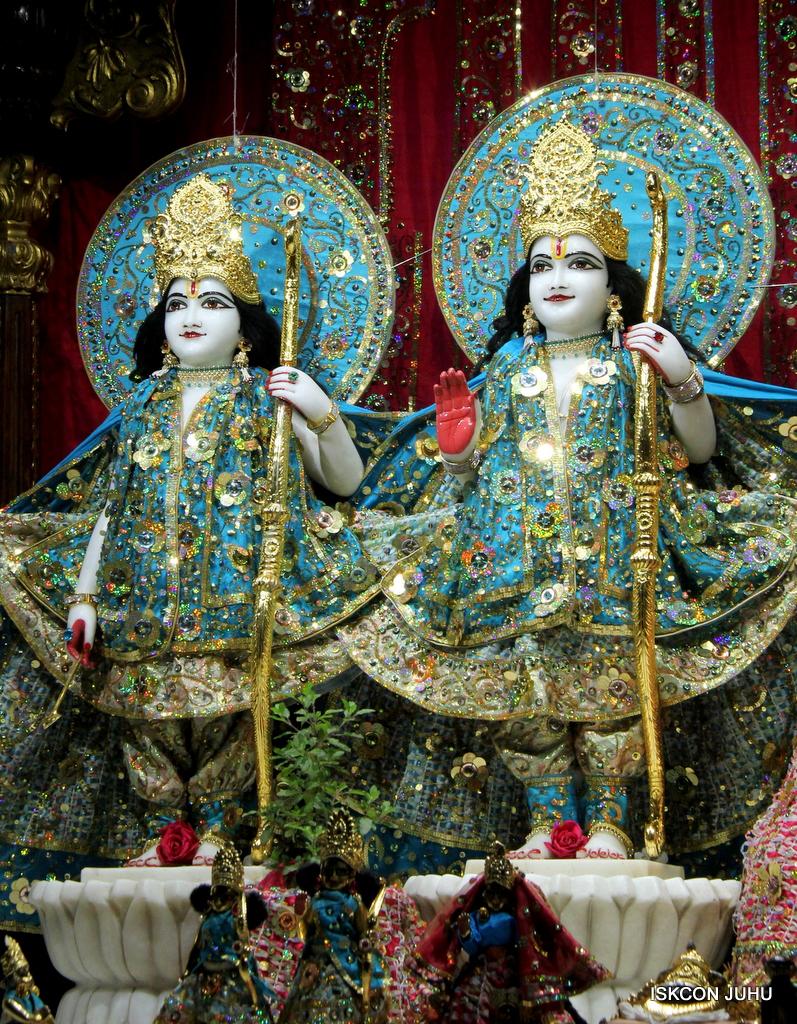 ISKCON Juhu Mangal Deity Darshan on 25th Oct 2016 (11)