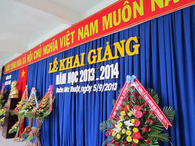 TRƯỜNG THPT BUÔN MA THUỘT KHAI GIẢNG NĂM HỌC MỚI 2013-2014
