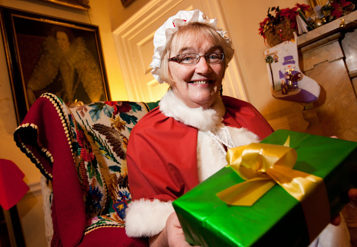 Mrs Claus at Pollok House, Glasgow