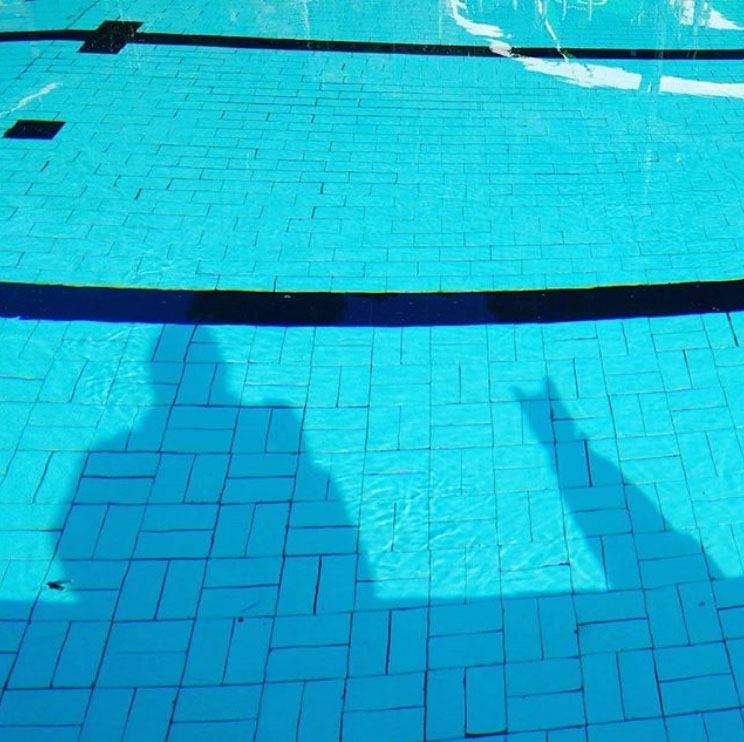 [sombra-na-piscina-bem-cedo5]