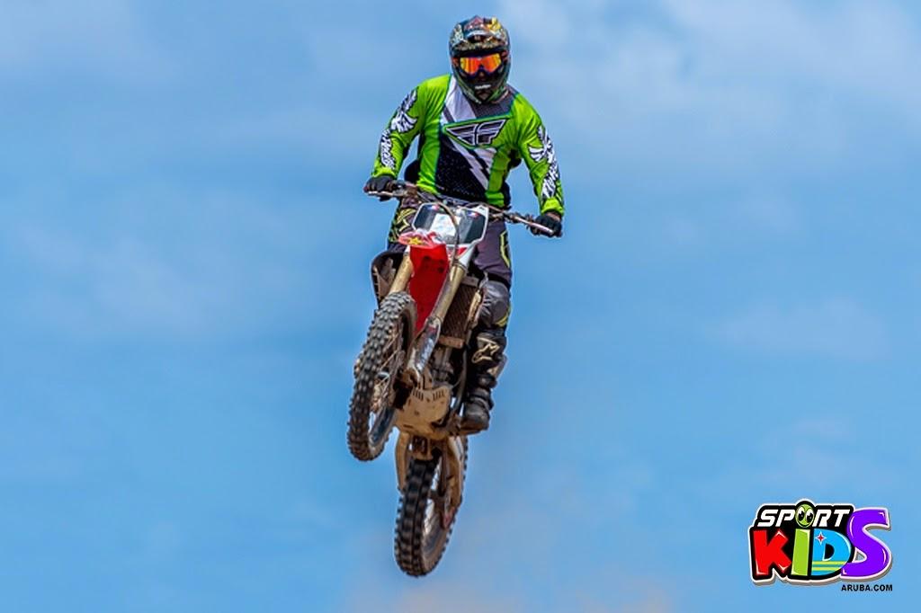 extreme motorcross Aruba - moto%2Bcross%2BGrape%2Bfiled%2BApril%2B2015-47.jpg