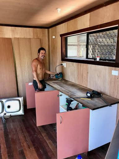 Brett-installing-kitchen-2017-09-27-10-13.jpg