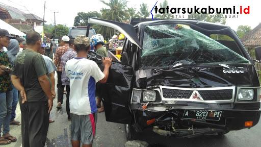 Kontainer Adu Banteng Dengan Pickup L300 di Jalan Raya Sukabumi - Palabuhanratu