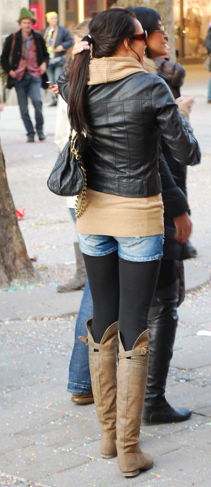 Jeans and Boots Streetshots Girls in Jeans u0026 Boots or Overknees Part 2 - 18.03.2011