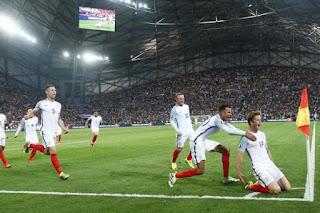 L'Angleterre se fait remonter à la dernière minute par la Russie !