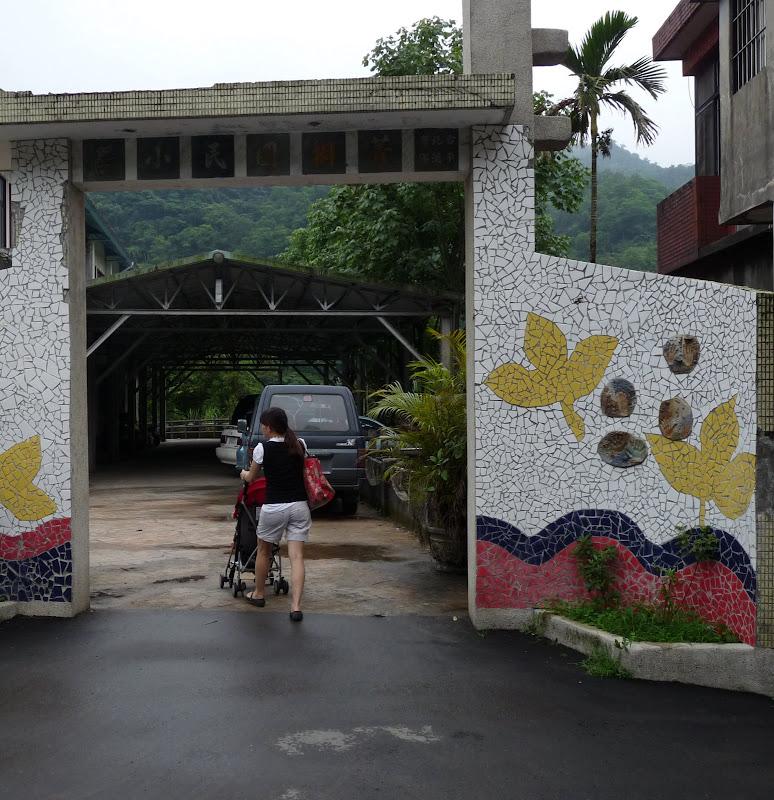 TAIWAN.Shen Keng , dans la banlieue de Taipei - P1100060.JPG