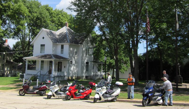 Ride to Dixon, Illinois - pic of Ronald Reagan's Boyhood Home 002