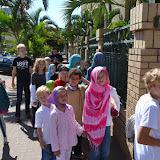 Besök i en moské och i en kyrka