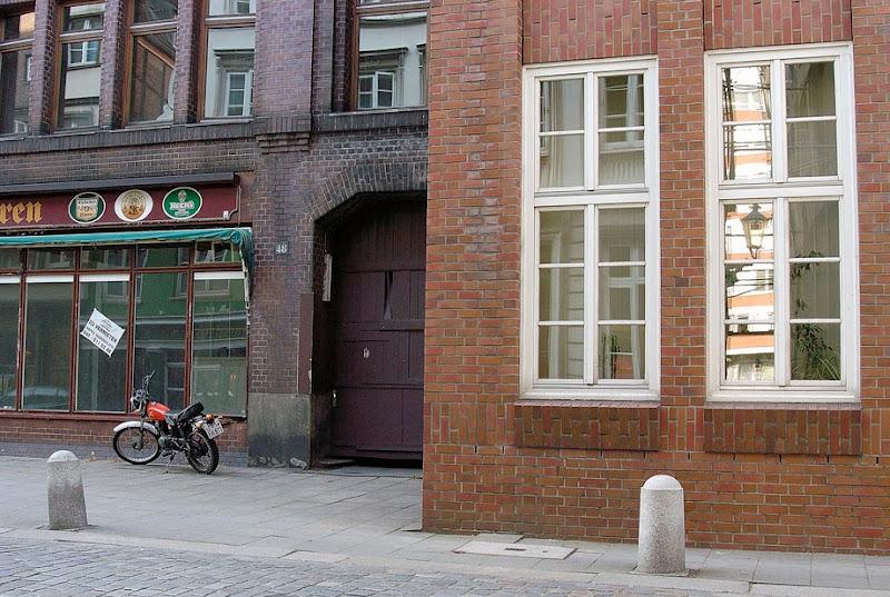 3. Windows & Bricks. Hamburg