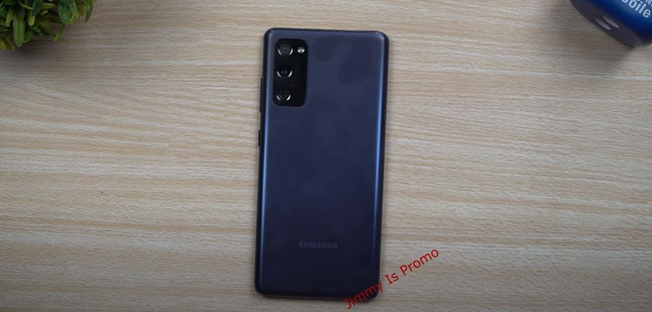 เครื่องจริงก็มาแล้ว หลุด Samsung Galaxy S20 FE เครื่องจริง จอใหญ่ เครื่องบาง กล้องไม่นูน