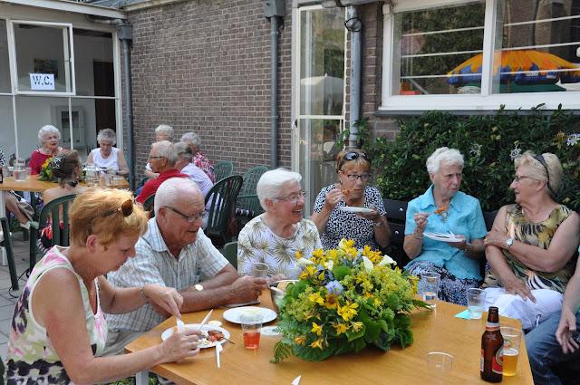 Afsluiting werkjaar voor vrijwilligers Hillegom - 2015-07-04%2B02.08.19.jpg