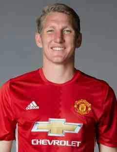 Bastian Schweinsteiger signs with Chicago Fire from Manchester United