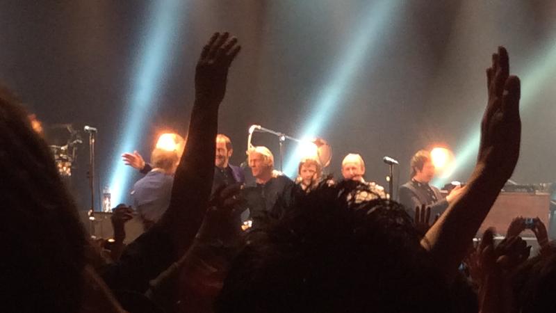 https://lh3.googleusercontent.com/-RFQY-6KWJAQ/Vh8LkPPrg7I/AAAAAAAAmpU/kLKps704Los/s800-Ic42/Paul-Weller-Japan-Tour-2015-Zepp-Tokyo-05-Oct-14-2015.jpg