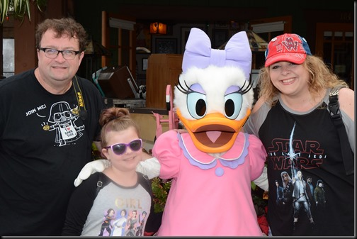 PhotoPass_Visiting_STUDIO_407645629399 - Copy