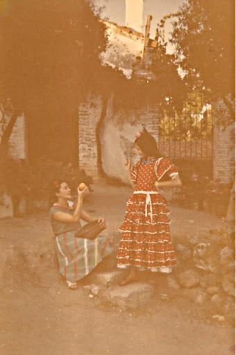 Eva y Mary en la Josa, haciendo teatro
