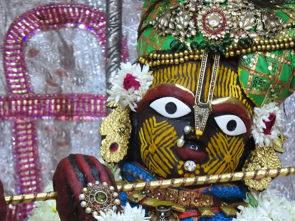 Radha Govind Devji Deity Darshan 07 Jan 2017 (4)