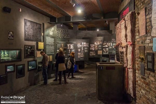 Wystawa w Muzeum Powstania Warszawskiego