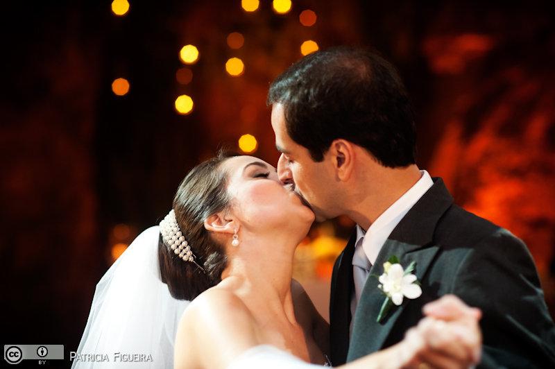 Foto de casamento 1671 de Nathalia e Fernando. Marcações: 04/12/2010, Casamento Nathalia e Fernando, Niteroi.