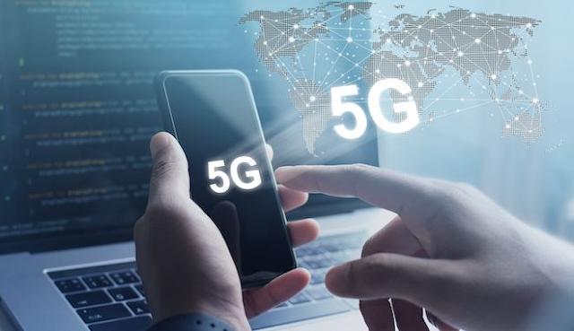 Η Ελλάδα δεύτερη στη διάθεση συχνοτήτων 5G στην Ε.Ε.