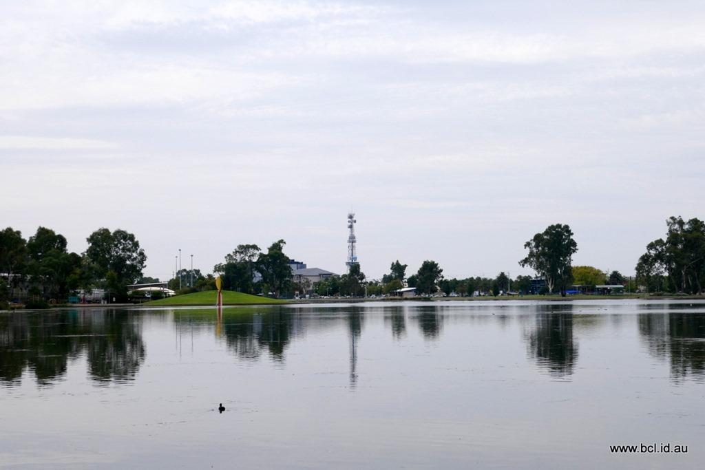 [190308-011-Shepperton-Lake-Victoria3]