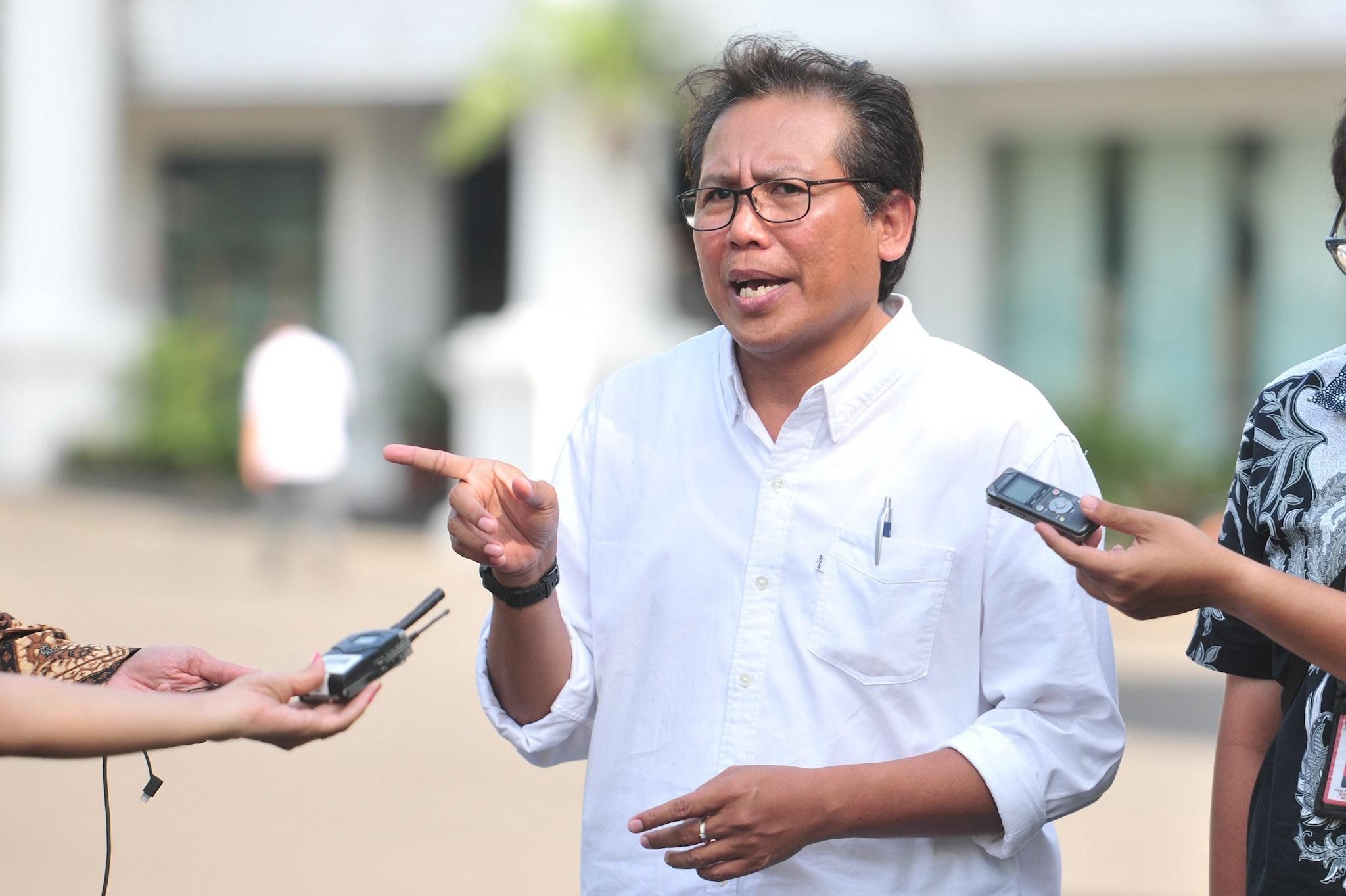 Tanggapi Sahabat Munarman Soal Minta Bantuan Jokowi, Istana: Itu Bukan Urusan Presiden!