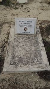 Dog Grave 007