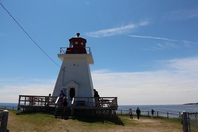 2013 - IMG_3712_Neils_Harbour_Lighthouse.JPG