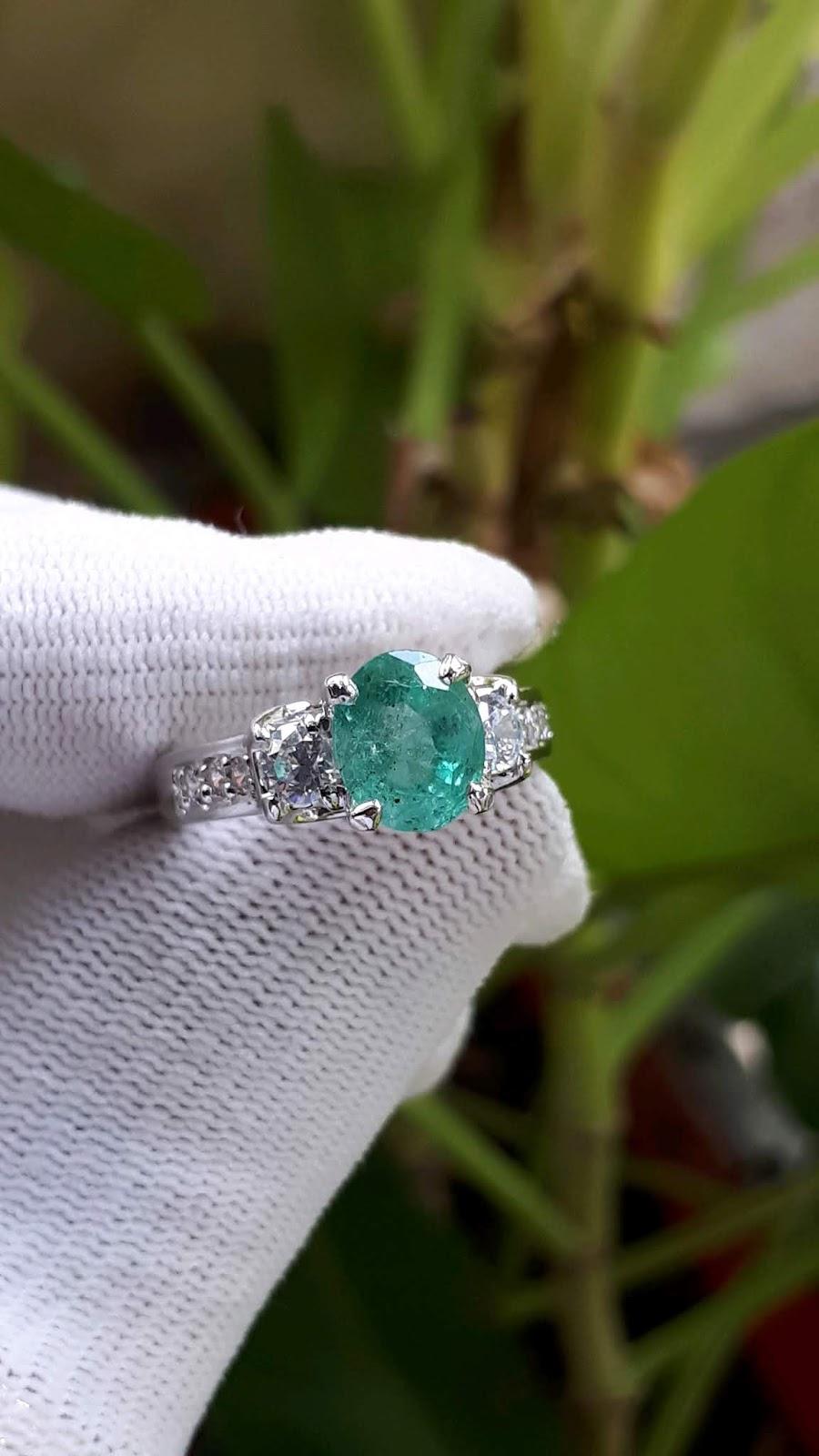 Nhẫn nữ đá Ngọc Lục Bảo, Emerald thiên nhiên, vàng trắng 18k