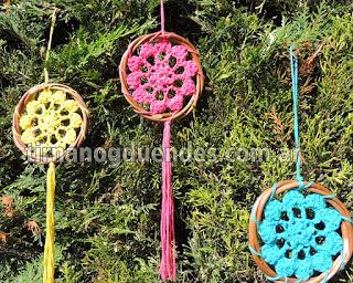 Atrapasueños al crochet. Varieda de colores. Hilo de algodón de máxima calidad. www.tirnanogduendes.com.ar