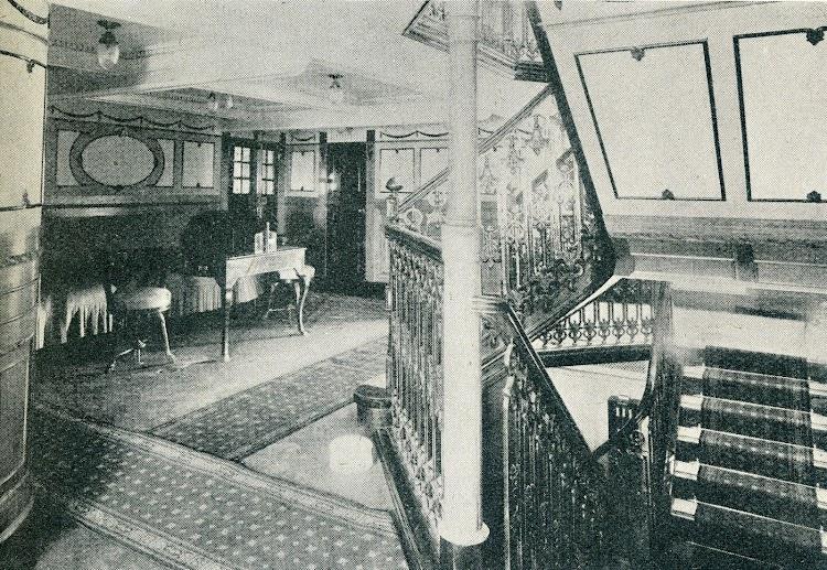 Vestibulo del ROMEU. De la revista Shipbuilding & Shipping Record. Año 1920.JPG