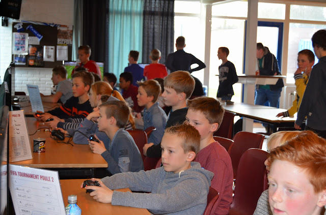 X-ICT FIFA tournament 03-04-2015 - DSC_0375%2B%2528Kopie%2529.JPG