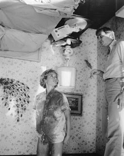 Wes Craven and Amanda Wyss on the revolving bedroom set.