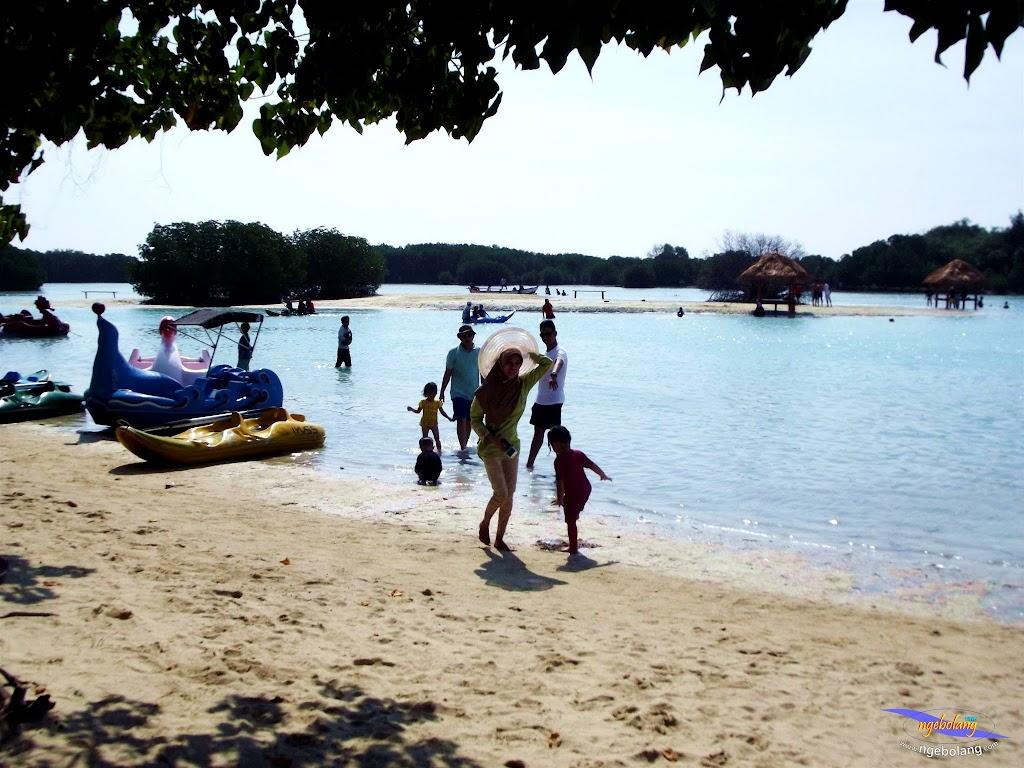 family trip pulau pari 090716 Fuji 062
