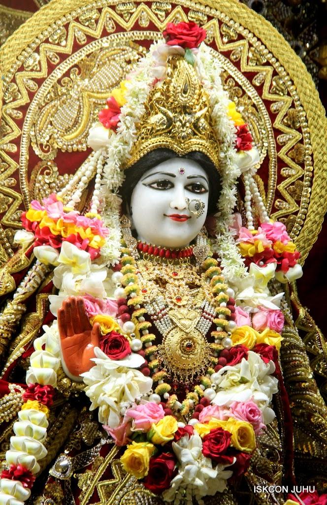 ISKCON Juhu Sringar Deity Darshan on 5th Aug 2016 (14)