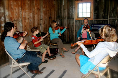 Camp 2010 - Dan%2B-%2Bfiddle%2Bworkshop%2B%2528Medium%2529.JPG